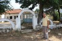 ÇAY OCAĞI - Mescit Alanı Meyhaneye Dönüştürülen Köy Felaketten Kurtulamıyor