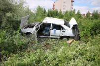 ÖĞRETMENEVI - Otomobil Takla Attı Açıklaması 1 Ölü, 2 Yaralı