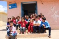 ŞEHIT - PKK'nın Şehit Ettiği Öğretmenin Köyünde Hüzün