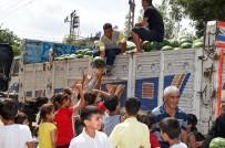 Seyhan Belediyesi 50 Ton Karpuz Dağıttı