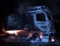 ÖRGÜT PROPAGANDASI - PKK'lı teröristler yol kesip araç yaktı