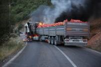 UZUNTARLA - Tunceli'de Yol Kesen PKK'lılar Araç Yaktı