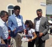İLKÖĞRETİM OKULU - Yazıhan'da Öğrencilere Eşofman Ve Spor Ayakkabı Desteği