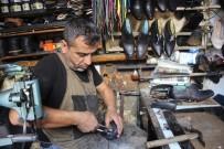 Ayakkabı Tamir Ustası Teknolojiye Dayanmaya Çalışıyor