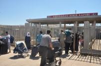 KURBAN BAYRAMı - Cilvegözü'nden 118 Bin Kişi Bayramlaşmak İçin Suriye'ye Geçti
