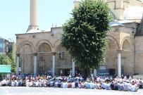 11 AYıN SULTANı - Düzce'de Camiler Doldu Taştı