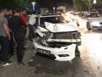 ZÜBEYDE HANıM - Elazığ'da Zincirleme Kaza Açıklaması 2 Yaralı