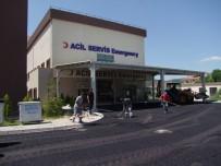 DEVLET HASTANESİ - Hastane Acil Yoluna Sıcak Asfalt