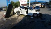 GELENBE - Karşı Şeride Geçen Kamyonet Dehşet Saçtı Açıklaması 1 Ölü, 4 Yaralı