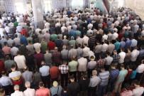AHMET ÇAKAR - Mardin'de Ramazan'ın Son Cuma Namazı Eda Edildi