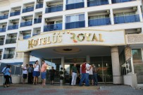 TURİZM SEZONU - Marmaris'te Otelde Rezervasyon Skandalı