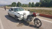 Motosiklet Arabaya Saplandı Açıklaması 2 Yaralı