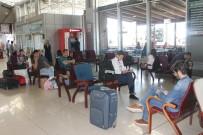 ŞEHİRLERARASI OTOBÜS - Otobüs Terminalinde Beklenen Bayram Yoğunluğu Yaşanmadı