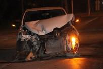 SAĞLIK EKİPLERİ - Otomobille Minibüs Çarpıştı Açıklaması 1 Yaralı