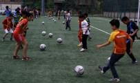HAKKARI VALILIĞI - Hakkari'de Okul Bahçeleri Spor Salonuna Dönüştü