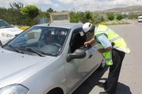 Polisten Emniyet Kemeri Takana Şapka Ödülü