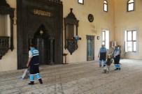 Şahinbey Belediyesi Camileri Bayrama Hazırladı