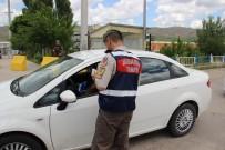 FARKıNDALıK - Sivas'ta Polis Ve Jandarmadan Bayram Uygulaması
