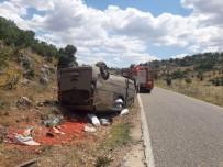 TİCARİ ARAÇ - Takla Atıp Ters Dönen Aracın Sürücüsü Yara Almadan Kurtuldu
