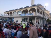 İFTAR ÇADIRI - Vanlılar İftarını Büyükşehir Belediyesinin Sofrasında Açtı