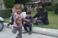 BAYRAM HEDİYESİ - Aydın'daki Suriyeli Ailenin Yürek Burkan Dramı