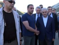 BABA OCAĞI - Başbakan Yıldırım'ın Yol Güzergahında Kaza Açıklaması 5 Ölü