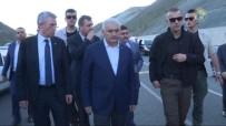 BABA OCAĞI - Başbakan Yıldırım, Kazayı Görür Görmez Konvoyu Durdurdu