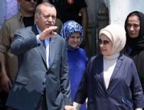 BAYRAM HARÇLıĞı - Cumhurbaşkanı Erdoğan anne ve babasının kabrini ziyaret etti