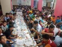 ÖĞRENCİLER - Çüngüş'te Kur'an Kursu Öğrencileri İftarda Bir Araya Geldi