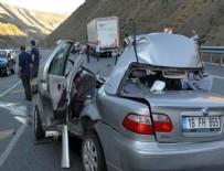 ÇİMENTO FABRİKASI - Yollar yine kan gölü: 17 ölü 114 yaralı