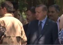 BAYRAM HARÇLıĞı - Erdoğan Anne Ve Babasının Kabirlerini Ziyaret Etti