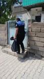 TOPLUM DESTEKLI POLISLIK - Erzincan Emniyetinden İhtiyaç Sahiplerine 116 Paket Ramazan Paketi