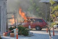 Hastane Bahçesine Park Etmek İstediği Otomobili Yandı