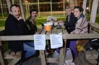 Sokak Sanatçılığından Kazanıp Açlara Yemek Yediriyor