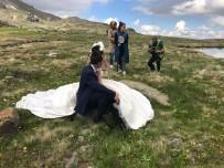 DÜĞÜN FOTOĞRAFI - 2 Bin 500 Metrede Düğün Fotoğrafı Çektirdiler