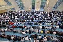 MÜSLÜMANLAR - Almanya, Köln DİTİB Merkez Camii'nde İlk Bayram Namazı Eda Edildi