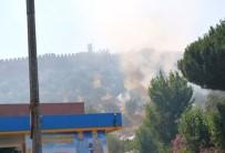 EMNIYET MÜDÜRLÜĞÜ - Ayasuluk Kalesi Yakınındaki Yangın Paniğe Yol Açtı