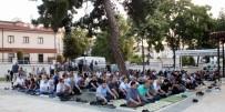 CAMİİ - Bayram Namazında Camiler Doldu