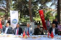 EMNIYET MÜDÜRLÜĞÜ - Develi'de Bayramlaşma Cumhuriyet Meydanı'nda Yapıldı