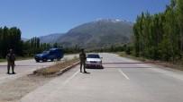 YAYLABAŞı - Erzincan'da Yola Tuzaklanan EYP Uzaktan Kumanda İle Patlatıldı