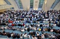 MÜSLÜMANLAR - Köln DİTİB Merkez Camii'nde İlk Bayram Namazı Eda Edildi
