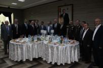 İSMAIL ÇORUMLUOĞLU - Manisa Protokolü Polisevinde Bayramlaştı