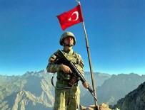 Mehmetçik 2 bin 522 metreden Türkiye ile bayramlaştı