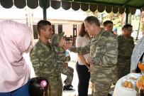 DENIZ KUVVETLERI KOMUTANı - Orgeneral Akar Siirt'te Asker Ve Güvenlik Korucularıyla Bayramlaştı