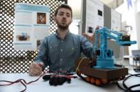 ROBOT - Üniversite Öğrencisi, Eldivenle Kontrol Edilebilen Bomba İmha Aracı Geliştirdi