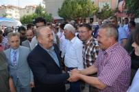GÜLSÜM KABADAYI - Bakan Çavuşoğlu, Korkuteli'de Vatandaşlarla Bayramlaştı
