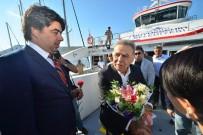 İzmir-Foça Gemi Seferleri Başladı