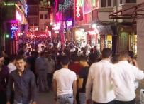 BARLAR SOKAĞI - Kuşadası'nda Bayramda Eğlence Sektörü Tavan Yaptı