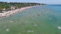 MEZAR TAŞI - Menekşe Plajı Doldu Taştı