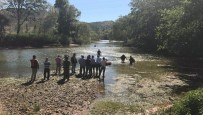 Sakarya Nehri'ne Giren Genç Kayboldu